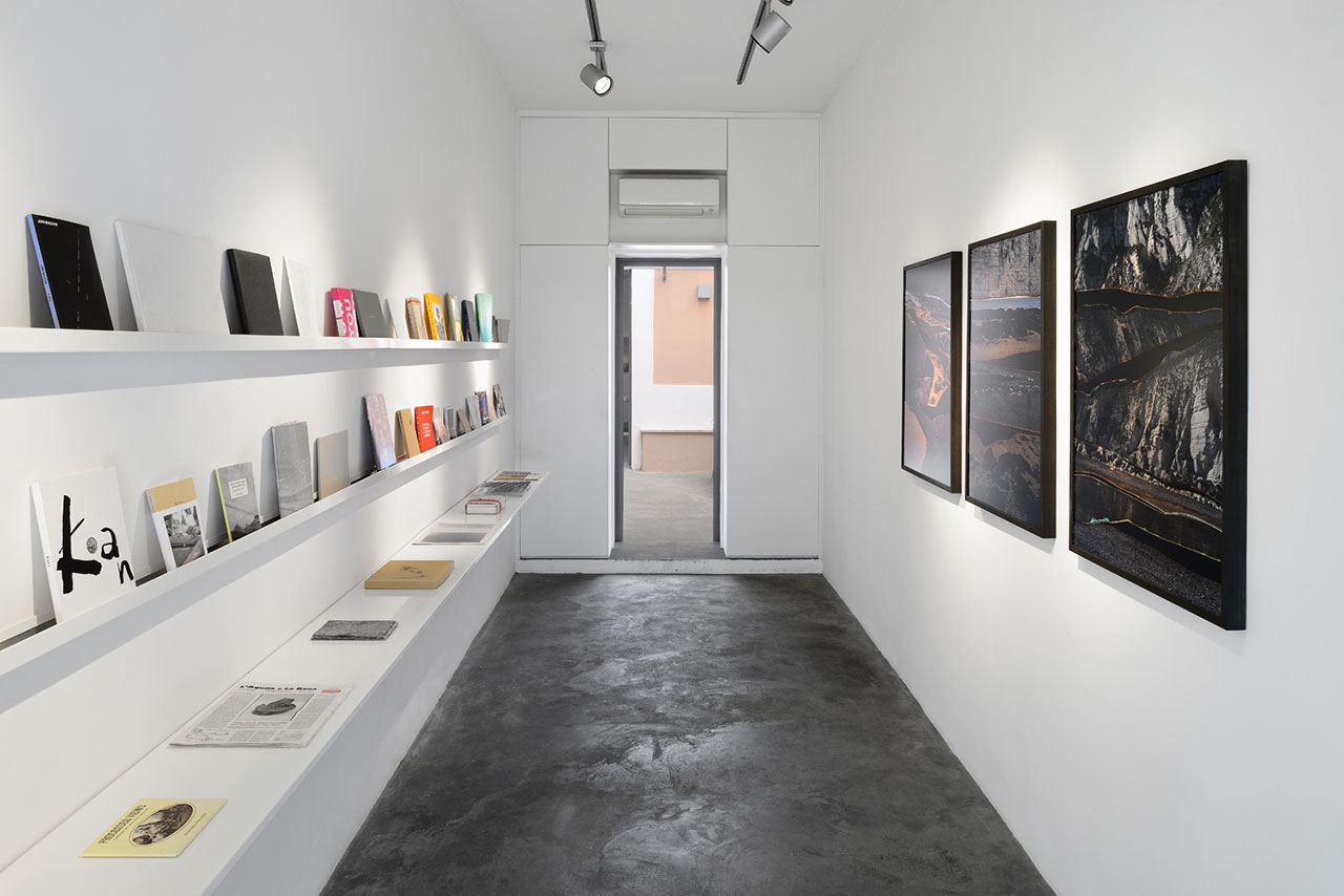 Installation-View---Dafna-Talmor---Selected-Book-Artists